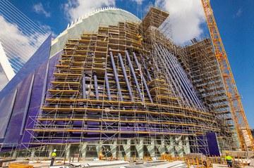 Agora eraikinaren birgaikuntza, Espainian