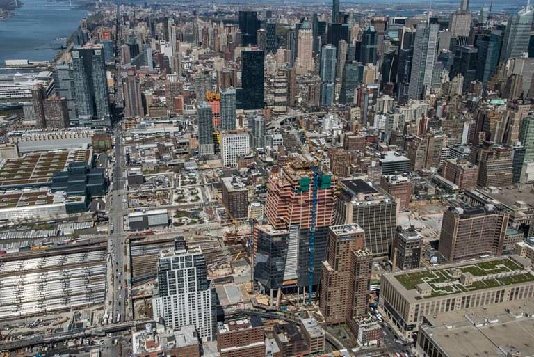 ATR enkofratu autoigokaria Hudson Yards-en, NYC, AEB